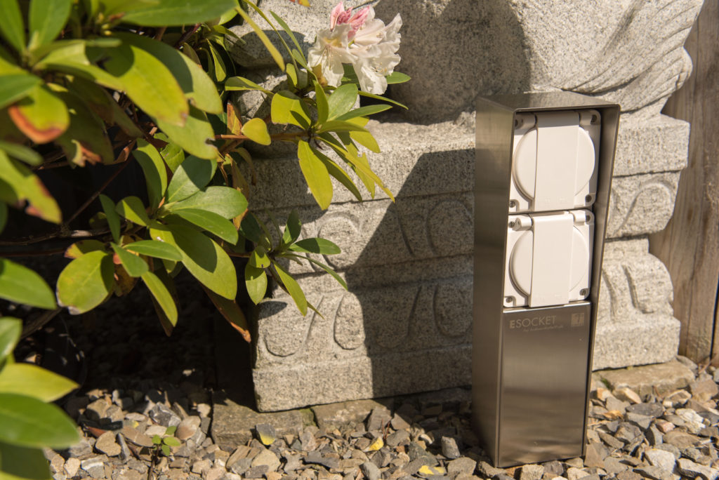 Steckdosensäule ESocket 350-F mit Feller NEVO oder Hager Robusto Apparaten , Energiesäule, Stromsäule, Stromtankstelle, T13, T15, T23, T25, Schuko, Gartensteckdose, Anschlusssäule